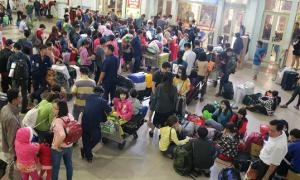 Ga Sài Gòn nhộn nhịp người về quê những ngày cận Tết