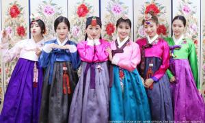 BTS, Black Pink khoe nhan sắc với Hanbok trong ngày cuối năm