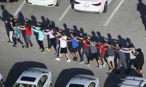 Thanh niên 19 tuổi xả súng vào trường học ngày Valentine khiến 17 người thiệt mạng