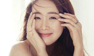 Choi Ji Woo: 'Nữ hoàng nước mắt' cuối cùng cũng được mỉm cười trong ngày cưới
