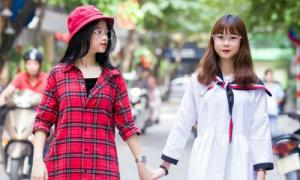 Hai cô bạn thân xinh như hot girl của Linh Ka