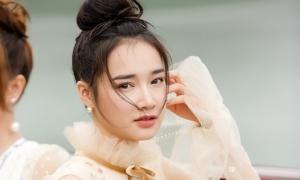 Instagram mạo danh Nhã Phương đăng status ẩn ý quanh chuyện Trường Giang - Nam Em