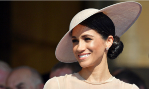 Meghan xuất hiện đúng chuẩn 'người nhà Hoàng gia' 3 ngày sau cưới