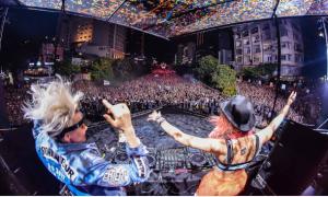 Hàng nghìn bạn trẻ quẩy cùng DJ bậc nhất thế giới trên phố Nguyễn Huệ