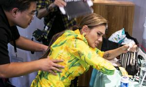 Tái phát đau cột sống, Hoàng Yến phải vào viện khi đang ghi hình The Face