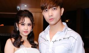 Tim xác nhận ly hôn Trương Quỳnh Anh nhưng vẫn sống chung nhà
