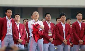 Dàn cầu thủ Olympic Việt Nam điển trai hết nấc trên bục vinh danh