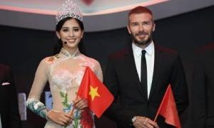 Trần Tiểu Vy xuất hiện cạnh David Beckham tại Paris Motor Show
