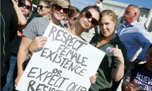 Hai sao nữ Hollywood bị bắt vì biểu tình phản đối chính trị gia do Donald Trump đề cử