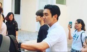 Mỹ nam Choi Si Won đến Hà Nội