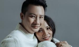 Vợ chồng Hoàng Bách ngọt ngào như ngày mới yêu sau 12 năm