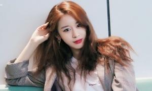 Ji Yeon trở lại Việt Nam sau sự cố hủy show vì sức khỏe