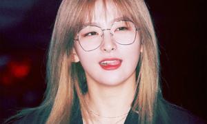 Seul Gi đổi style chóng mặt, Mi Joo lại 'làm lố' ở Music Bank