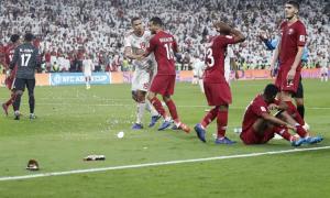 LĐBĐ châu Á điều tra vụ CĐV UAE 'tấn công' cầu thủ Qatar