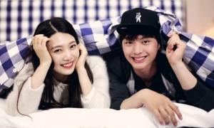 Tiên tri Kpop 2019: Cặp đôi bí mật lâu năm nào sẽ công khai?