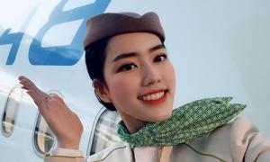 Vẻ 'tỷ tỷ' của nữ tiếp viên Việt múa dẻo trên máy bay