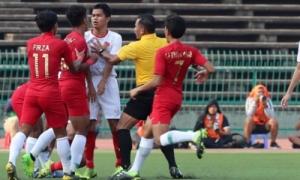 Tình huống suýt xô xát mạnh giữa Việt Nam - Indonesia ở trận bán kết