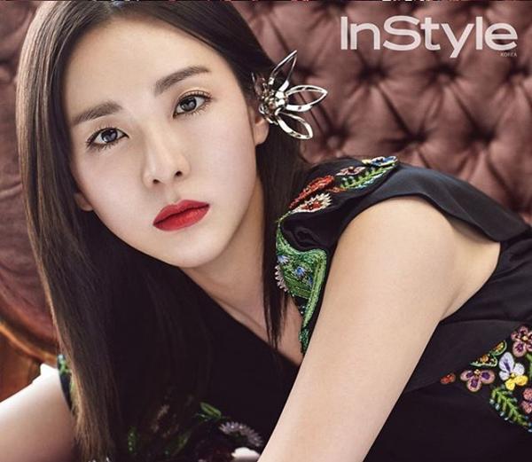 Sao Hàn tô son đỏ đậm: Jennie sang chảnh, Sulli bí ẩn mê hoặc