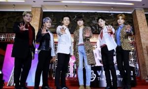 Super Junior chiếm trọn spotlight khi xuất hiện cùng các nam thần Vpop