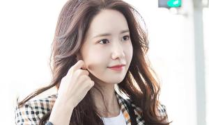 Yoon Ah xinh đẹp rạng ngời ở sân bay, xóa tan tin đồn dao kéo