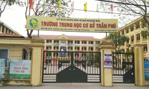 Thầy giáo ở Hà Nội bị tố 'hành xử không đúng mực với nam sinh'