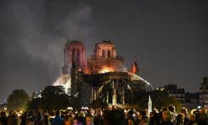 Pháp hút nước sông Seine dập lửa Nhà thờ Đức Bà như thế nào