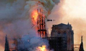 Nhân chứng vụ cháy Nhà thờ Đức Bà: Tuyệt vọng và đau buồn giữa khói lửa