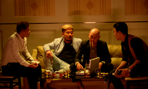'Vô gian đạo' gây tò mò về đề tài cờ bạc bịp ở Việt Nam