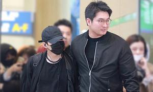 Hình ảnh anh quản lý 'đồng cam cộng khổ' suốt 6 năm cùng BTS khiến fan rơi lệ