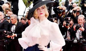 Elle Fanning chọn nội y đỉnh cao khi mặc áo 'mỏng như sương' ở Cannes