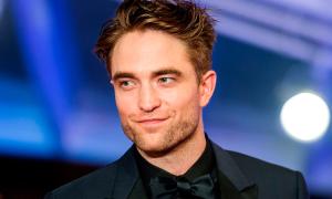 Dấu hiệu ngầm cho thấy Robert Pattinson sẽ vào vai Người Dơi