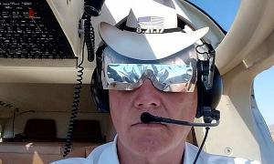 Trực thăng đâm xuống nóc tòa nhà cao tầng, phi công thiệt mạng