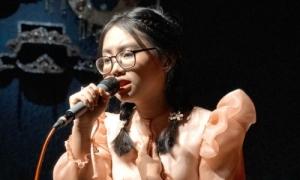 Phương Mỹ Chi lên giọng 4 lần khi hát '999 đóa hồng'