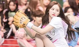 Hội girl crush Kpop đọ thần thái trong môn bóng chày ở ISAC