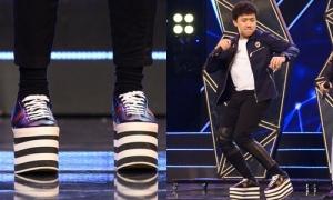 Trấn Thành té 'sấp mặt' trên sân khấu với đôi giày cao cả tấc