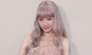 Loạt hàng hiệu giá nửa tỷ đồng của Hari Won trong MV mới