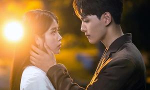 IU - Yeo Jin Goo có cảnh hôn thực sự trong 'Hotel Del Luna'