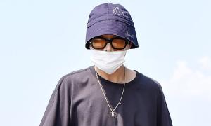 J-Hope khiến fan BTS 'náo loạn' vì bất ngờ xuất hiện ở sân bay