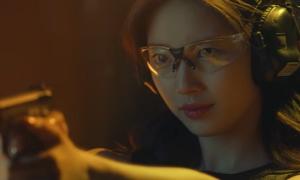 Suzy với tạo hình đặc vụ cực ngầu trong drama hành động mới