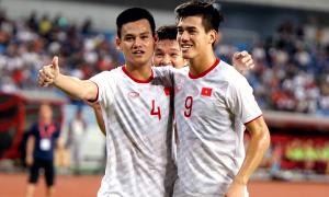 U22 Việt Nam tri ân CĐV sau trận thắng U22 Trung Quốc