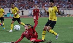 Hai tình huống hài hước của trung vệ Malaysia