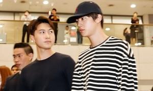 BTS, IZONE thu hút ánh nhìn khi ra sân bay