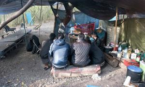 Bên trong trại ẩn náu của người Việt ở khu rừng Pháp