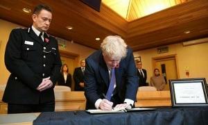 Thủ tướng Boris Johnson: 'Nước Anh sẽ làm tất cả để đưa kẻ ác ra công lý'
