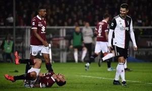 Ronaldo chào thua trước màn 'ăn vạ' đỉnh cao của đối thủ