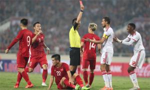 Báo châu Á: Chiếc thẻ đỏ đã 'chôn vùi' UAE