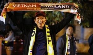 CĐV Thái Lan đổ đến Mỹ Đình