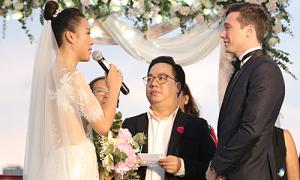 Hoàng Oanh hứa sinh nhiều con cho chồng trong đám cưới