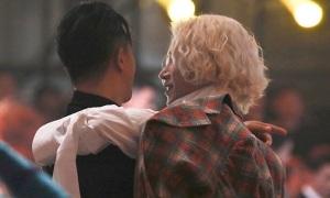 Fan Super Junior vỡ òa khi Hee Chul - Han Geng tái ngộ