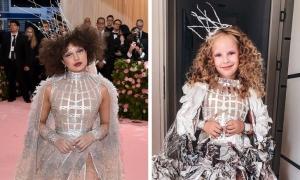 Bé gái 6 tuổi cosplay người nổi tiếng đầy thần thái